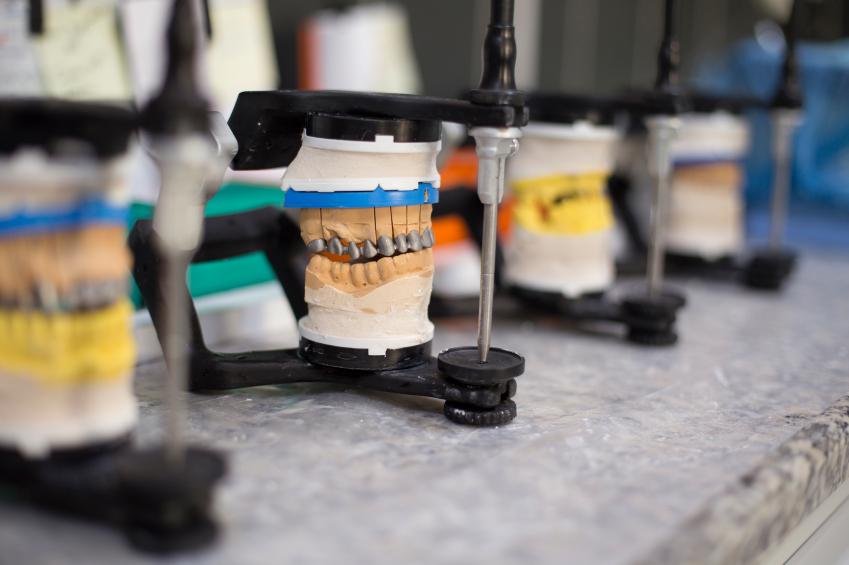 Dental lab articulators